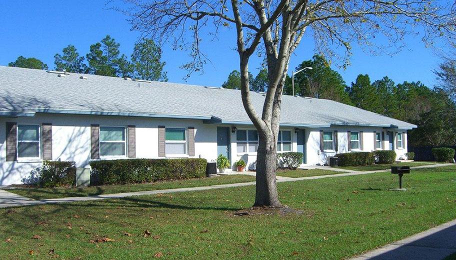 Hampton Court in Gainesville, Florida